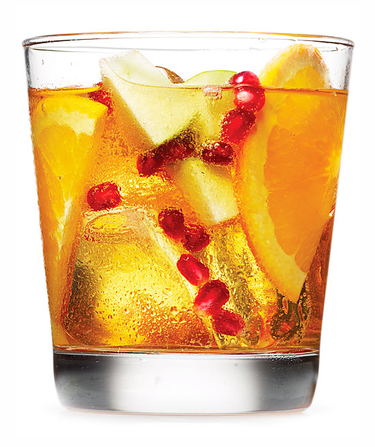 spiced-rum-cider-sangria-pomegranate-seeds