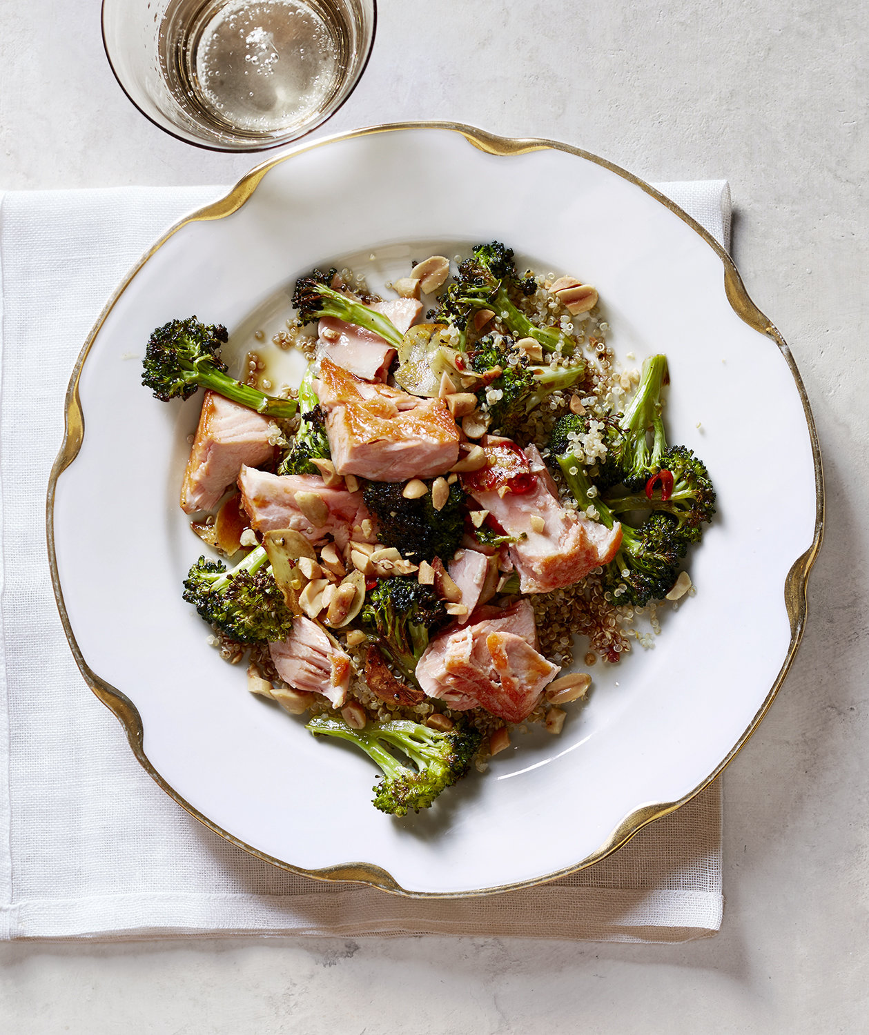 roasted-salmon-crispy-broccoli-quinoa