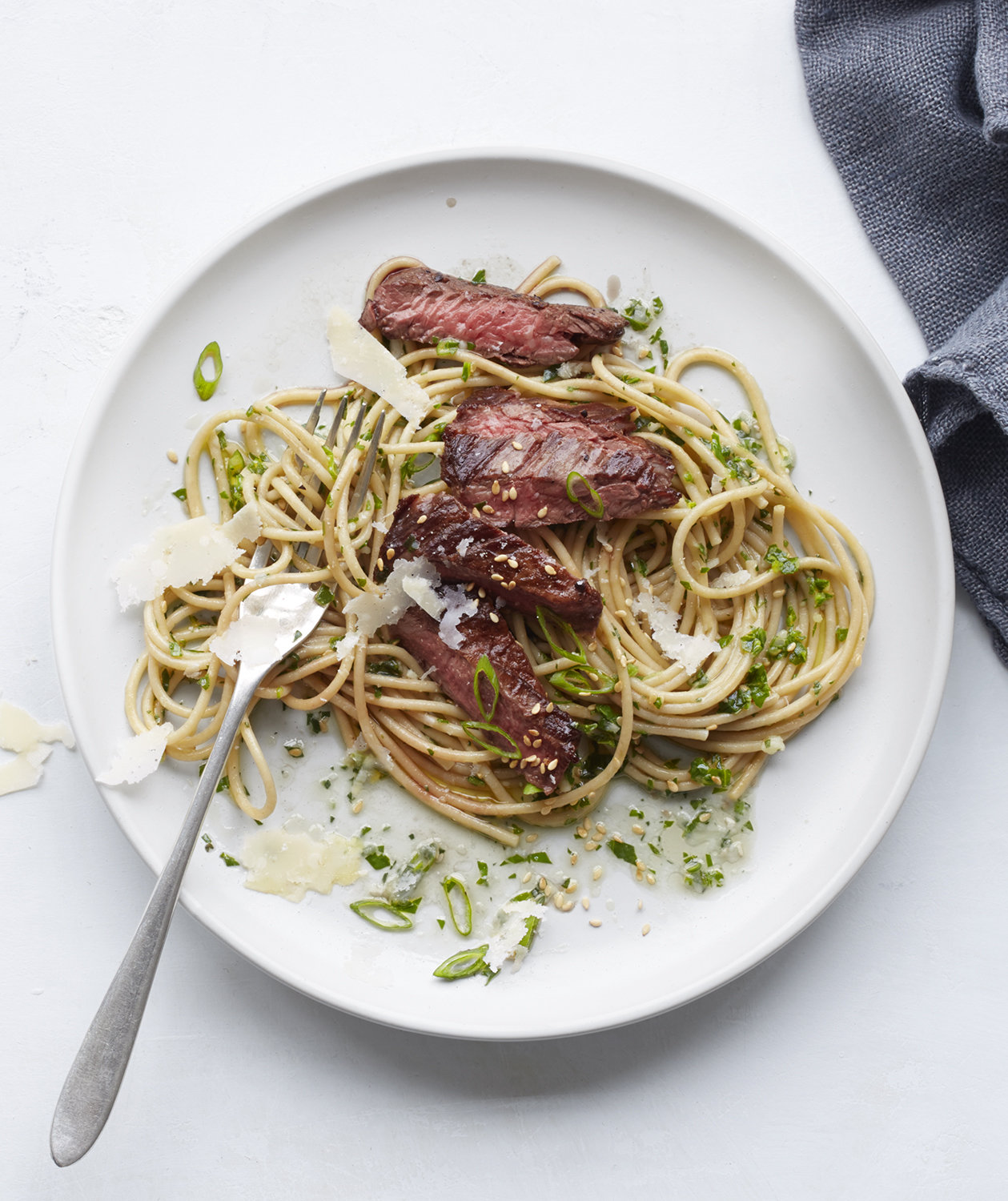 whole-wheat-spaghetti-steak-arugula-pesto