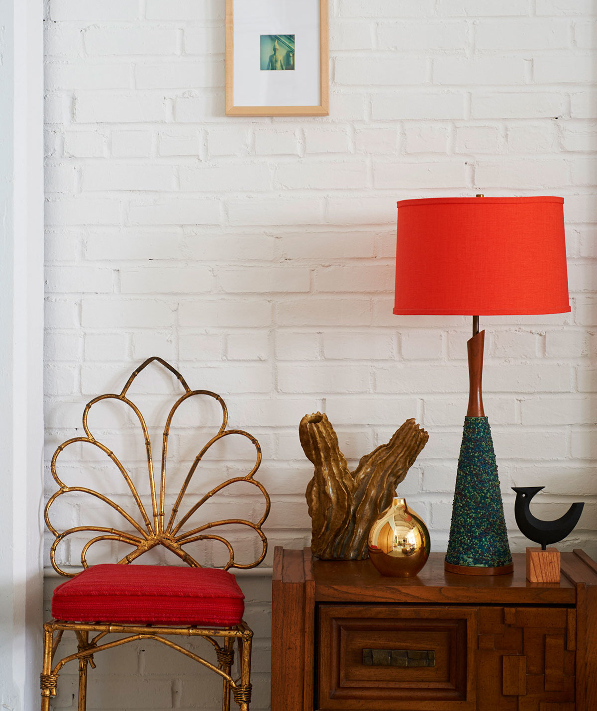 interiorred-lamp-chair