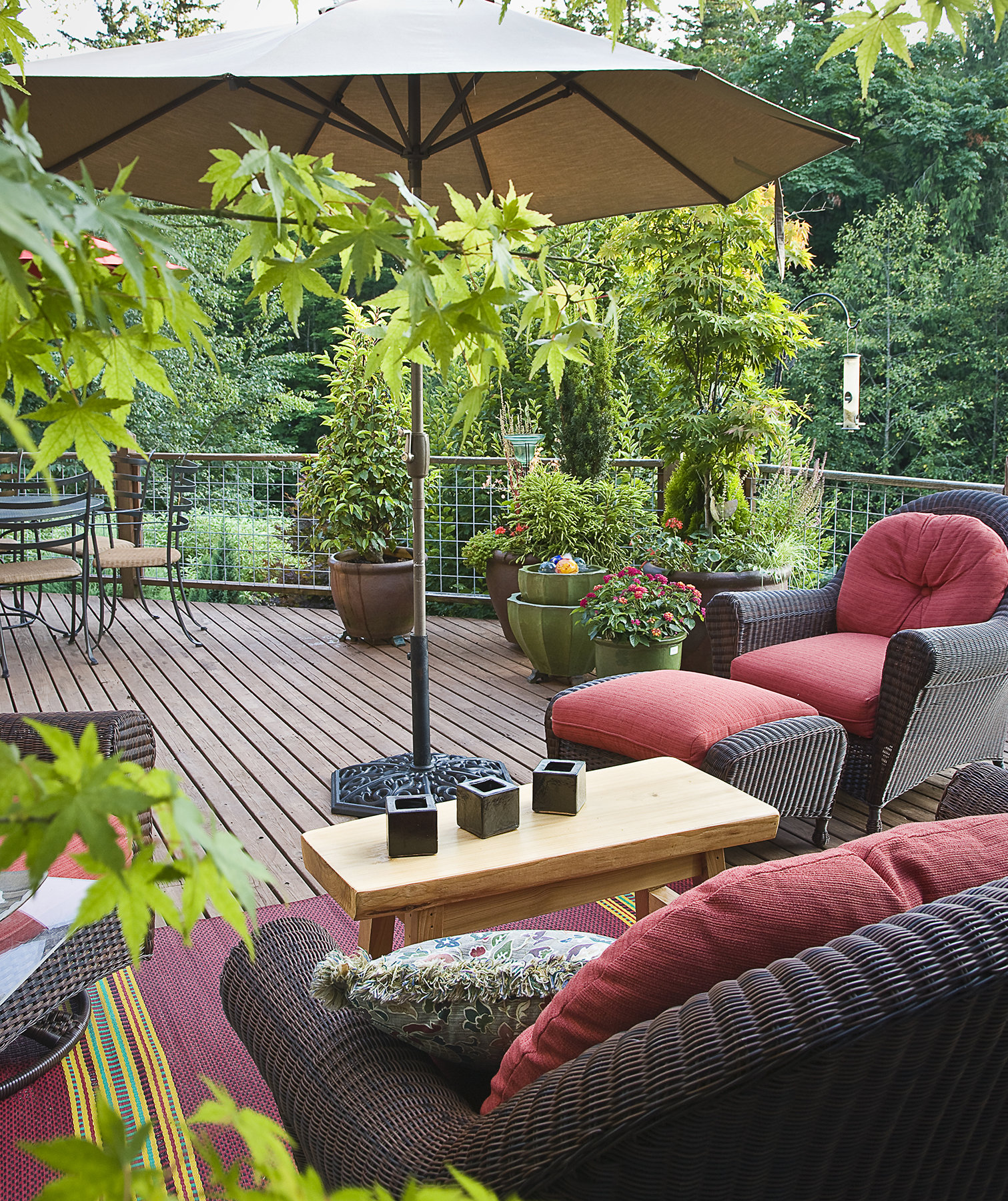 how to clean patio chairs