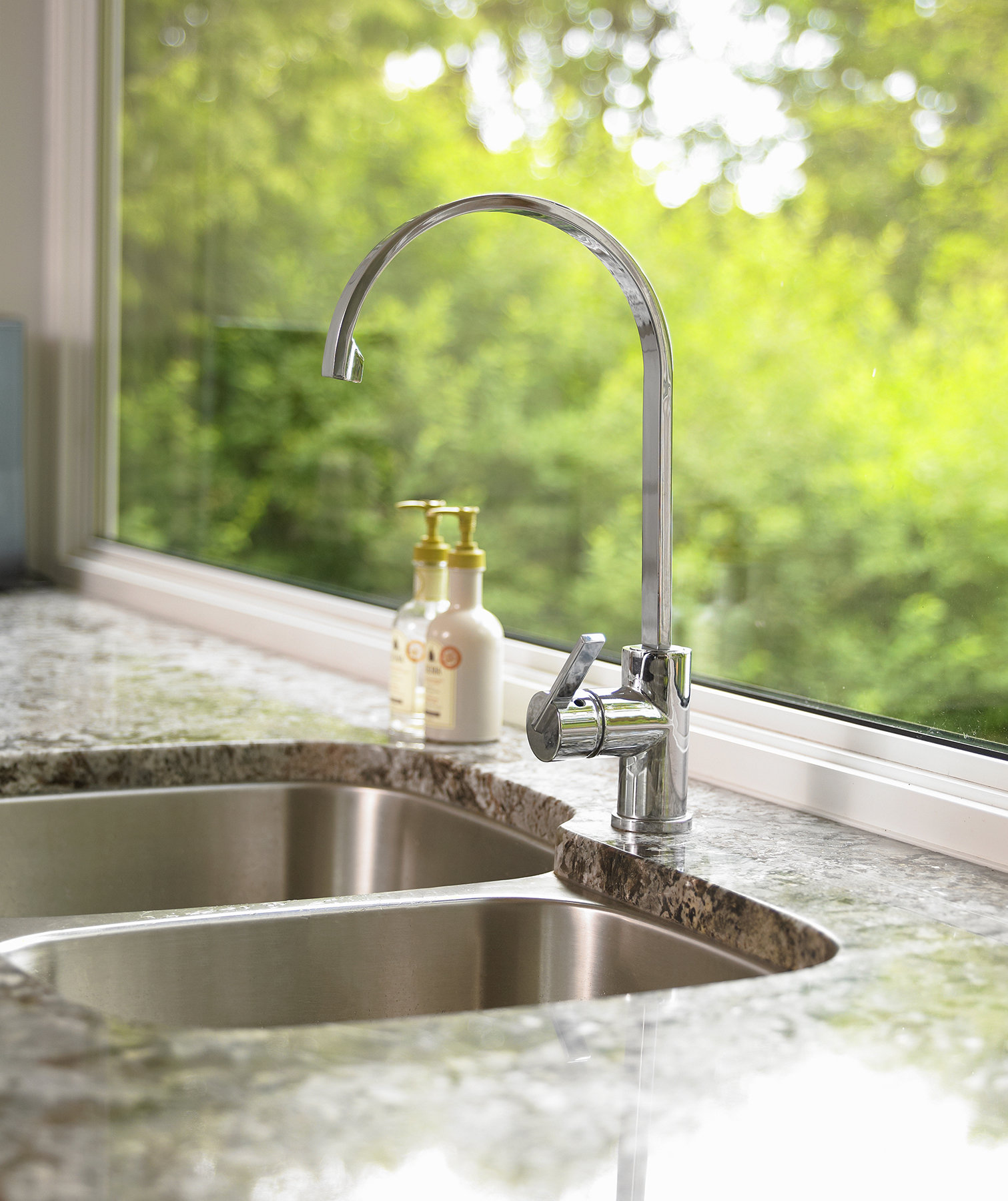 Kitchen Sink Etiquette: Around The Sink And Faucet