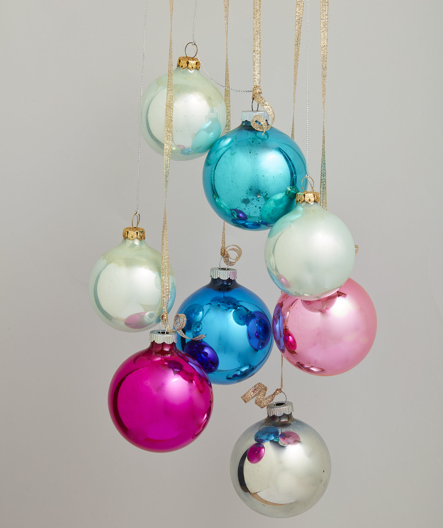 hanging-ornament-cluster