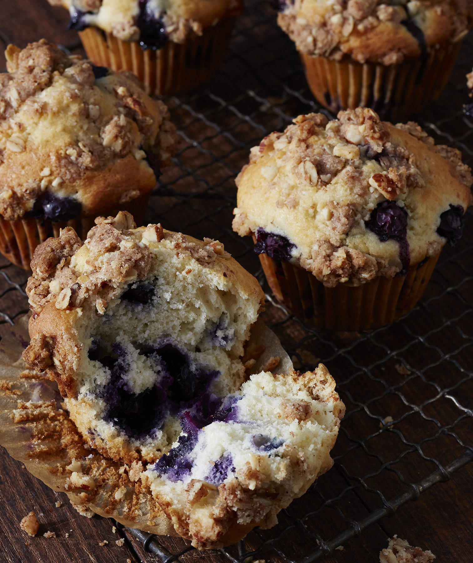 blueberry-streusel-muffins