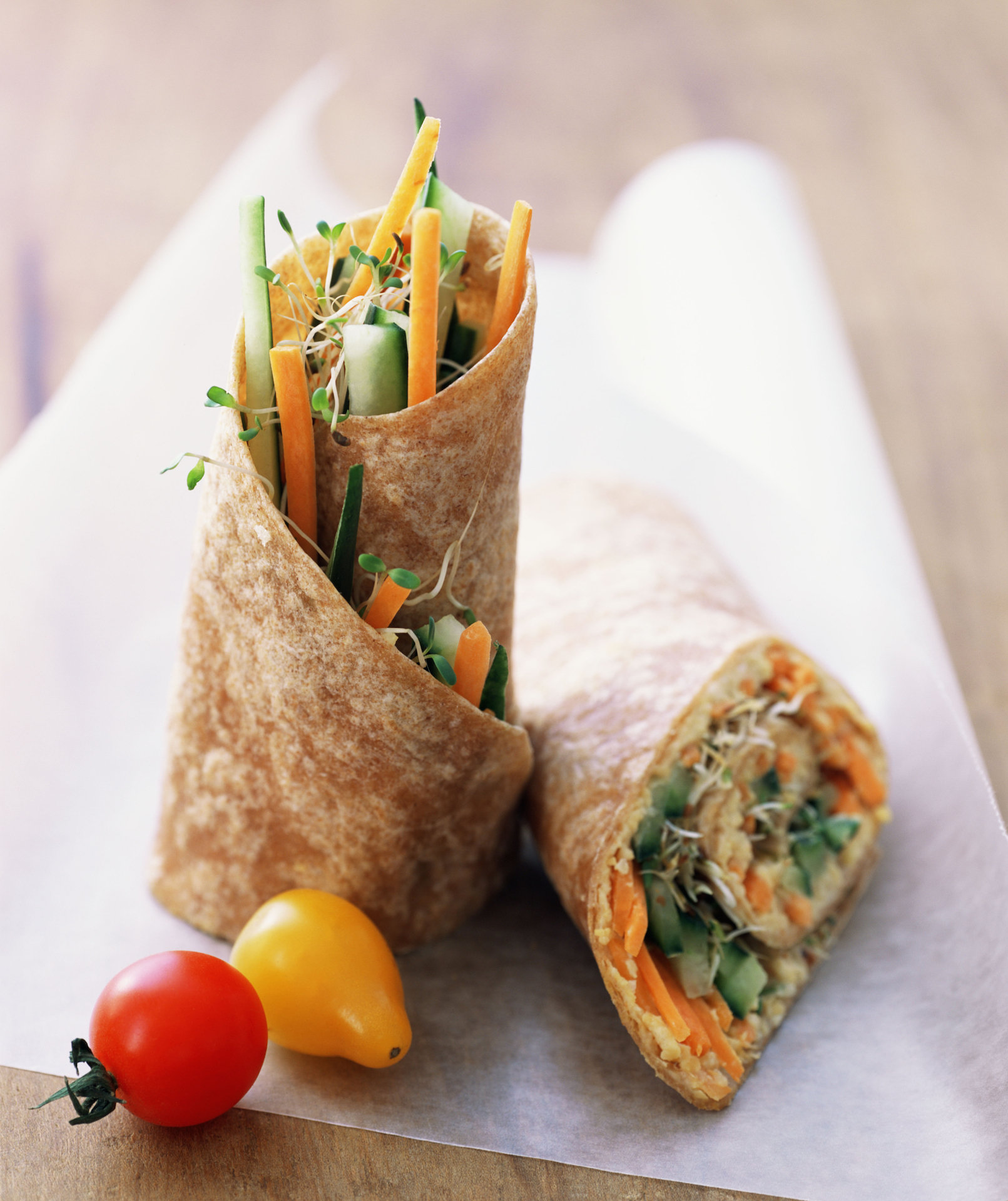 wrap-veggies-hummus