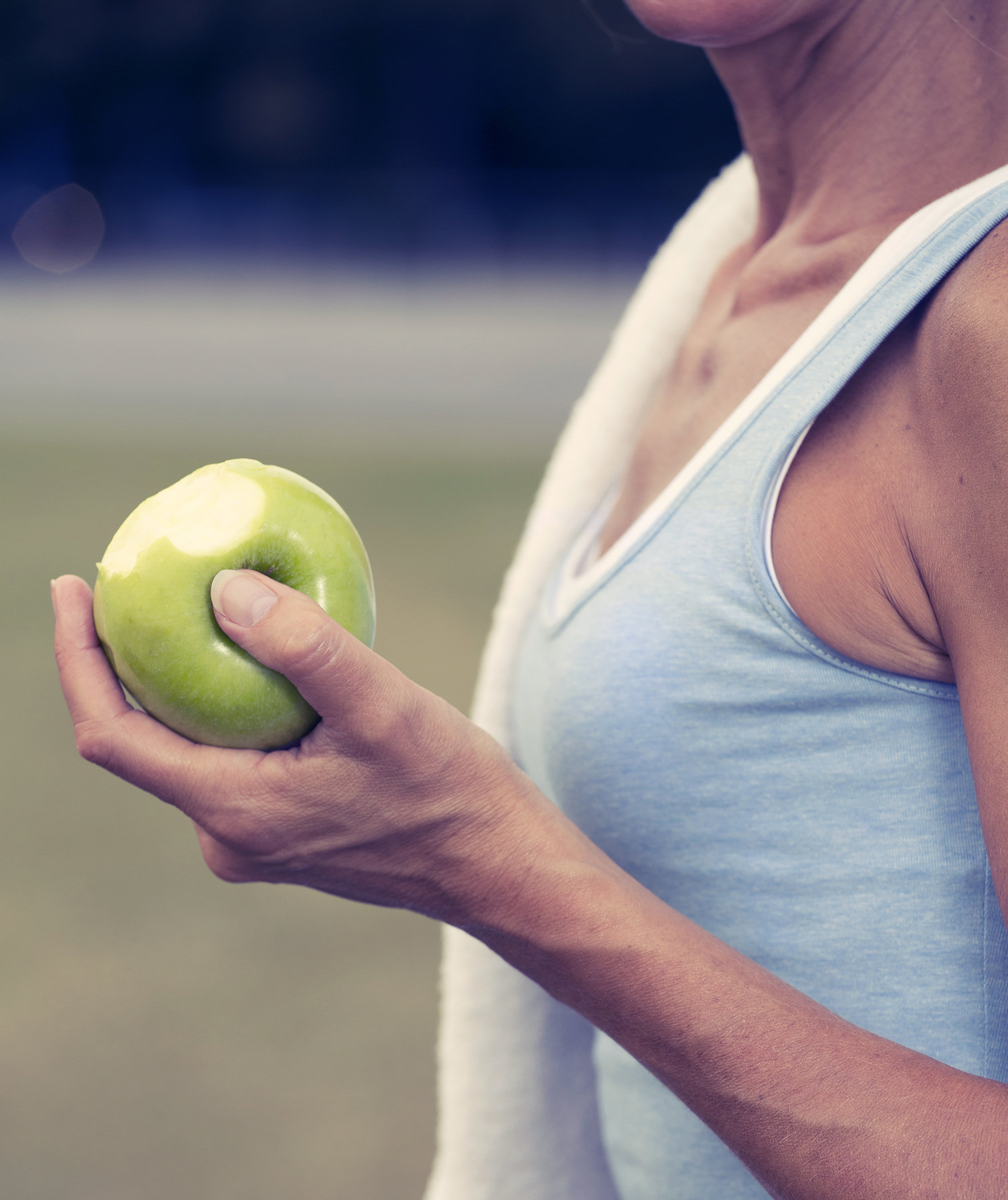 woman-apple-exercise