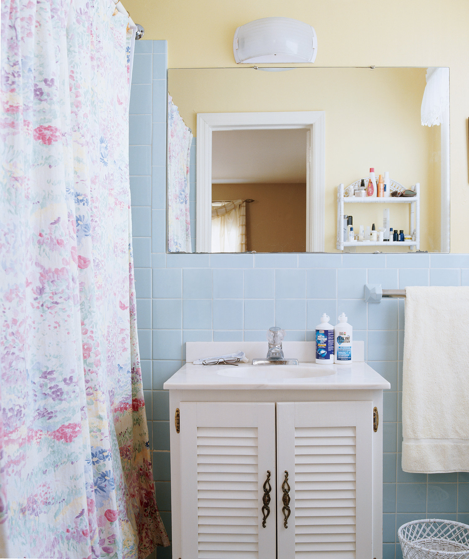 Tile walls ceiling deep clean your bathroom in 7 steps real simple - How to clean bathroom wall tiles easily ...