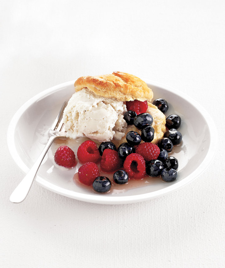 berry-ice-cream-shortcakes
