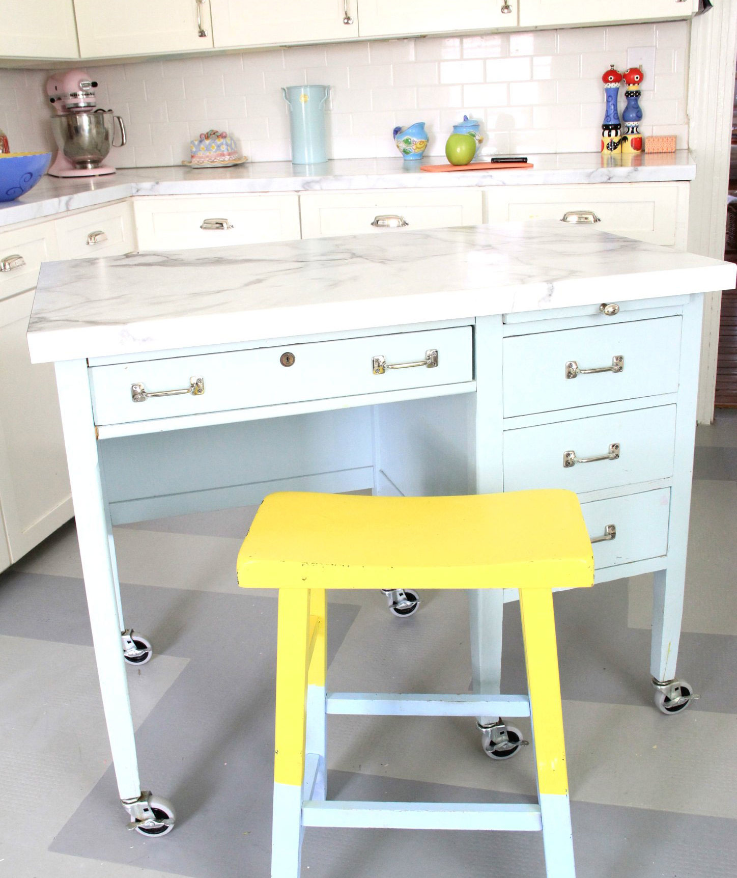 7 diy kitchen islands to really maximize your space real for Diy cooking
