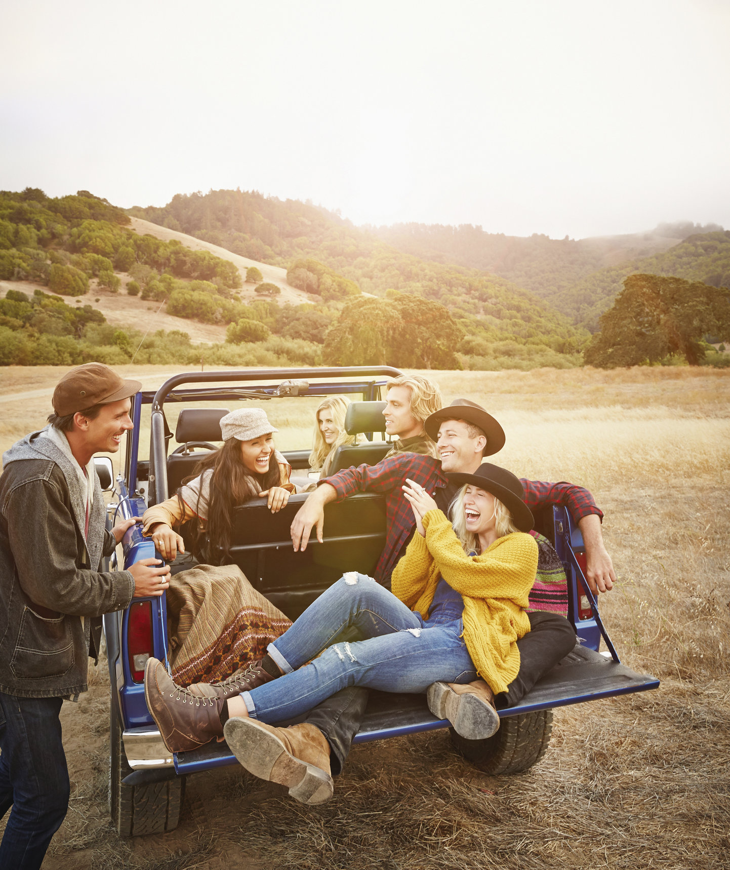 friends-truck-country-laughing