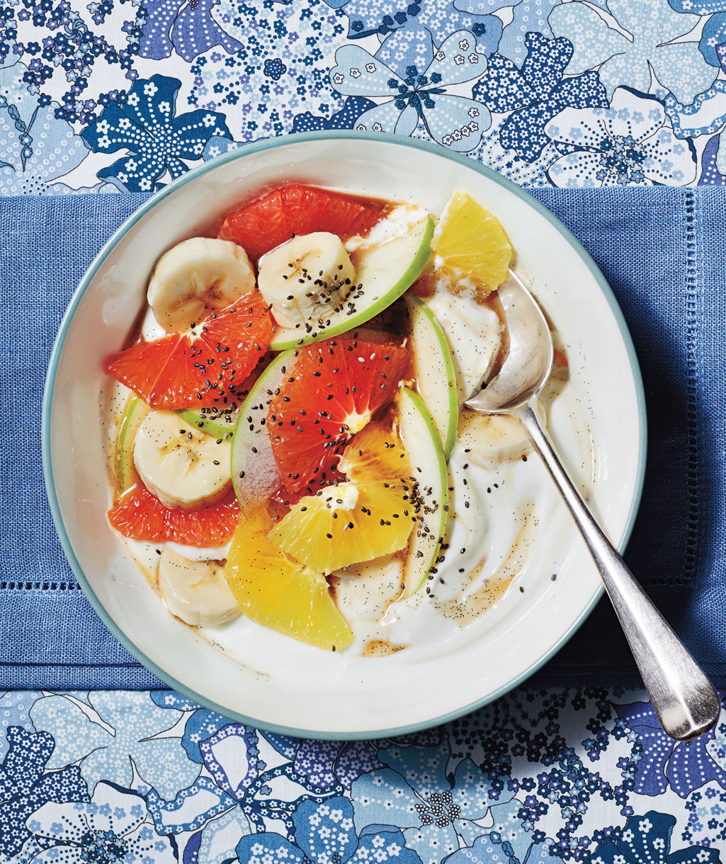 grapefruit-salad-vanilla-syrup-yogurt