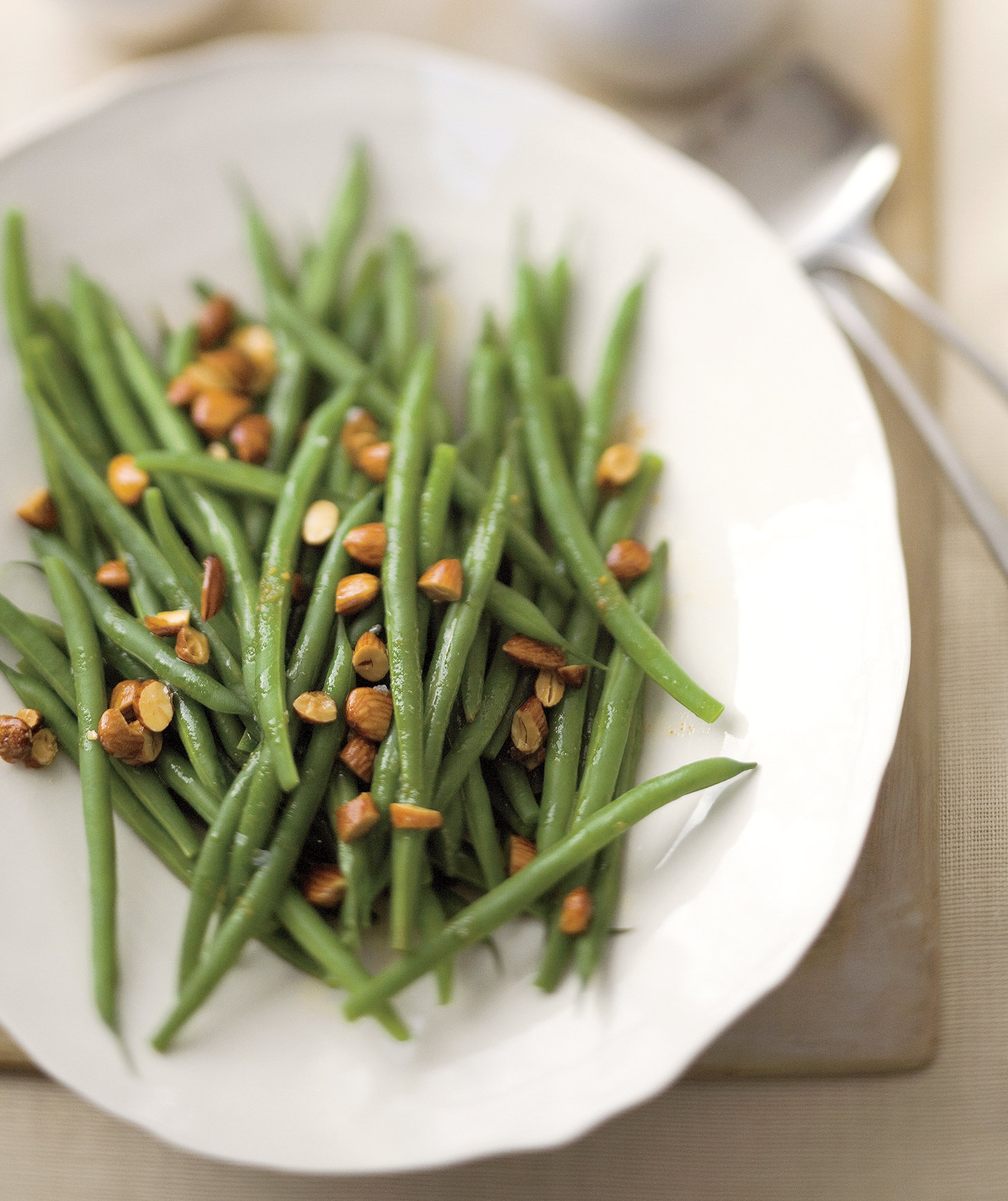 Green beans with almond and lemon brown butter for Easy thanksgiving green bean recipes