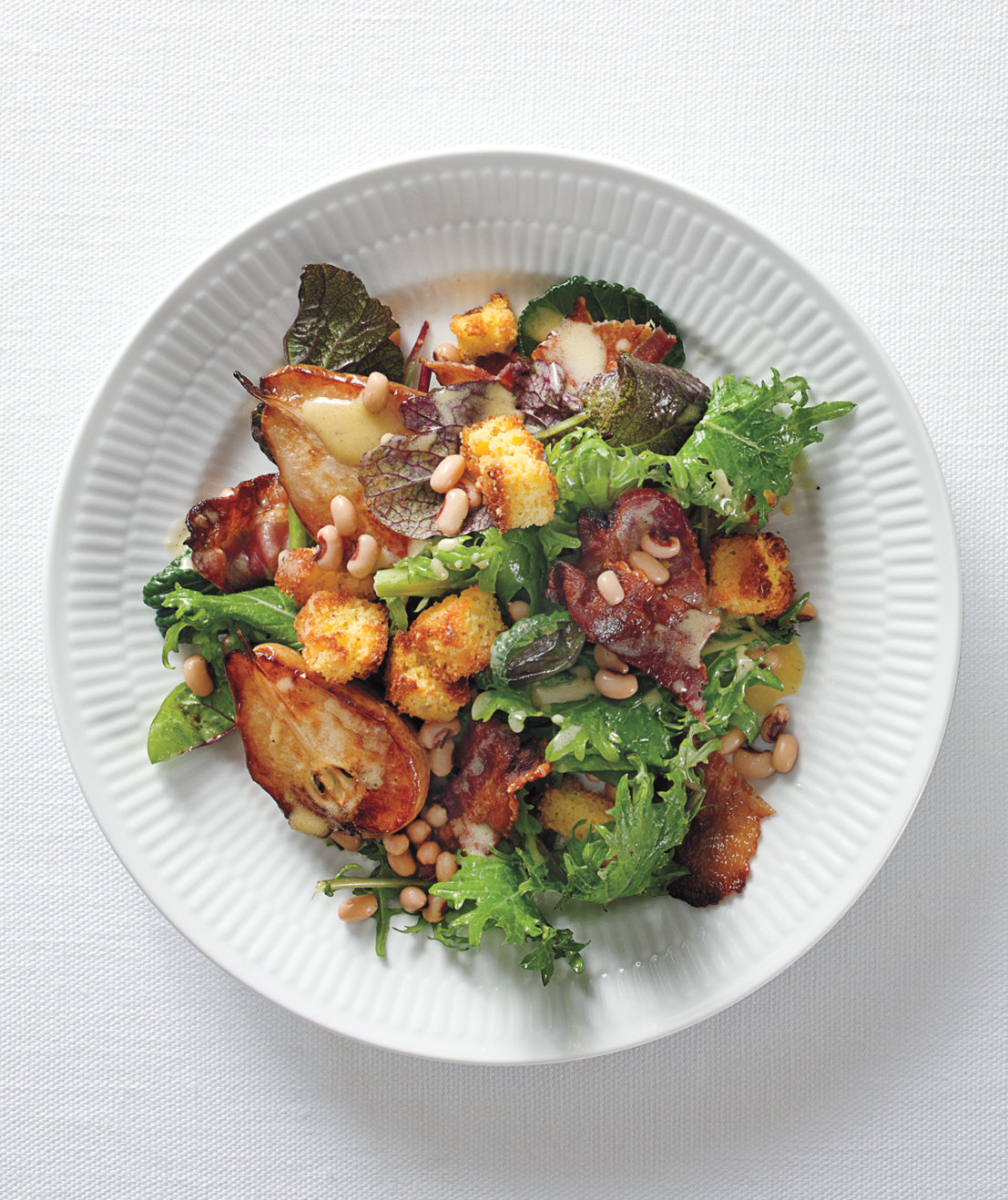 greens-bacon-salad-pears-croutons