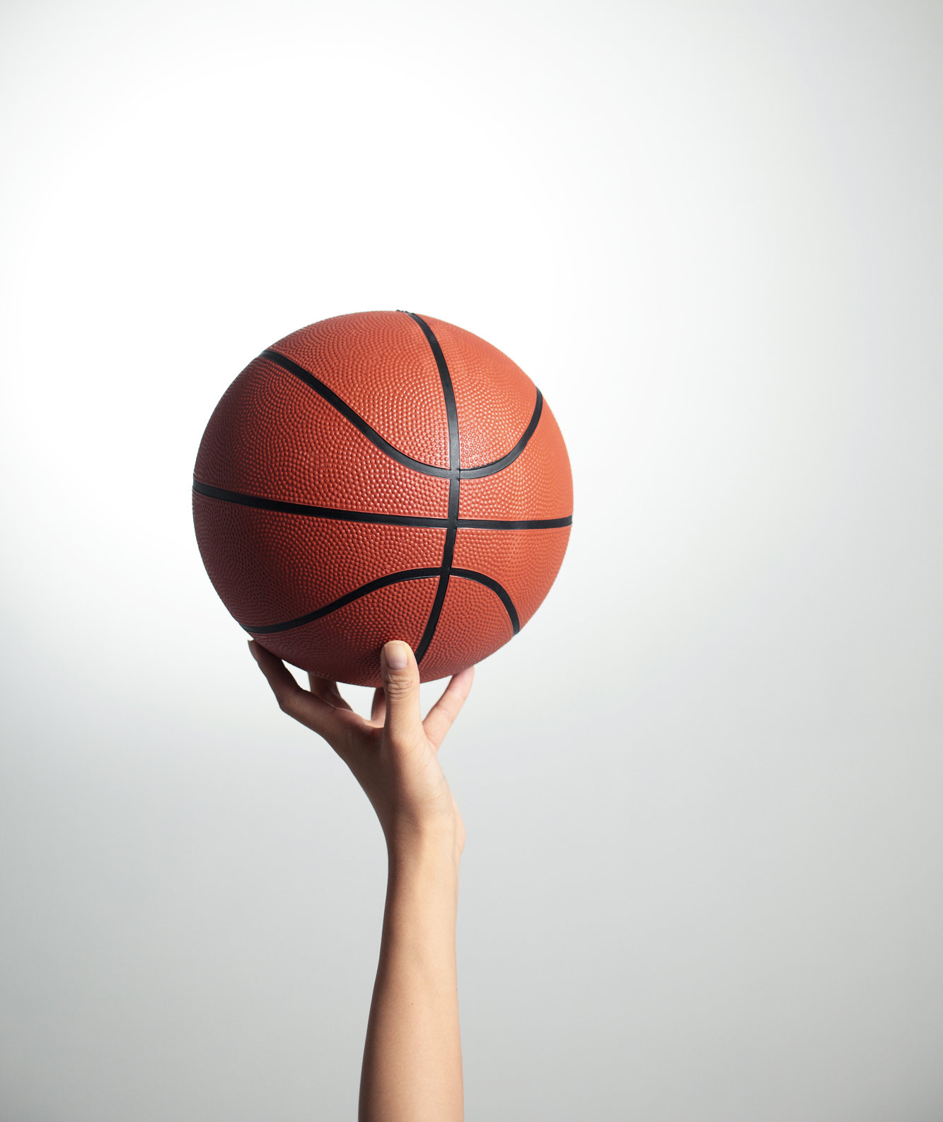 woman-basketball-hand