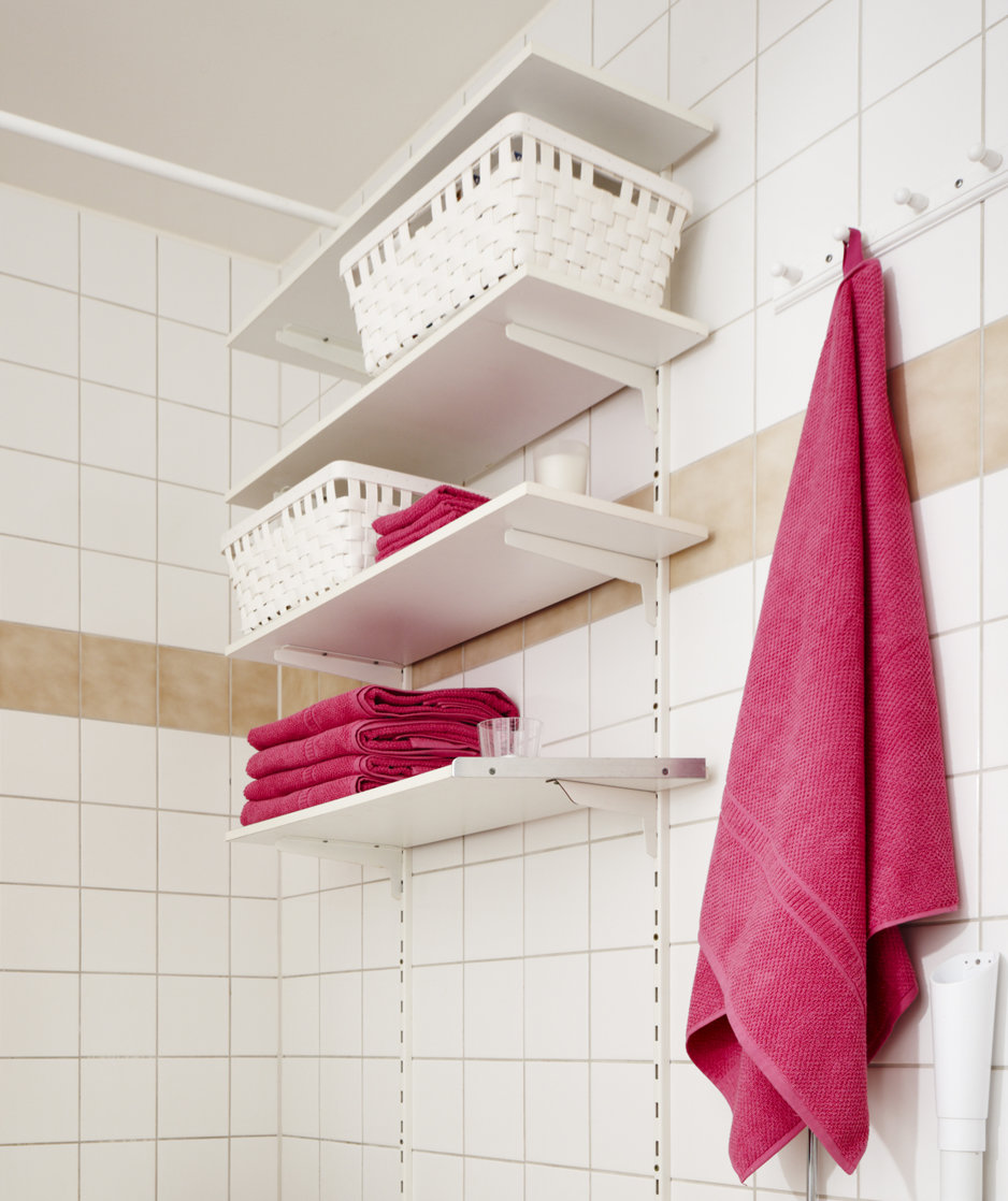 Clever organizing solutions for even the tiniest bathroom - What to hang above toilet ...