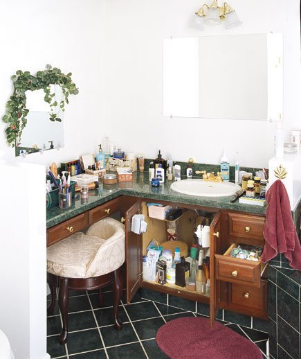 Bathroom vanity get organized with these home makeover for Real simple bathroom ideas
