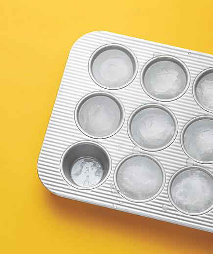 muffin-tin-ice-tray
