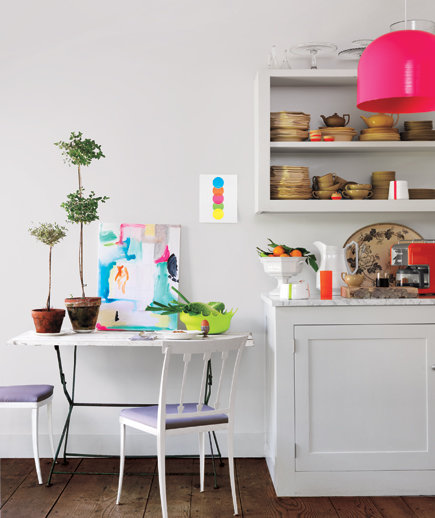 Simple Apartment Kitchen Decorating Ideas: Choose Scaled-Down Furniture