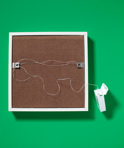 dental-floss-picture-hanger