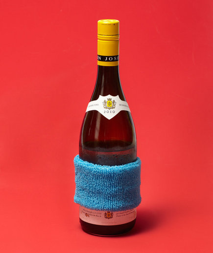new-use-wristband-wine-protector