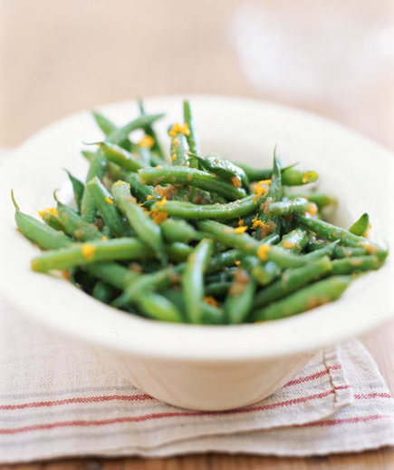 real simple green beans with bacon vinaigrette