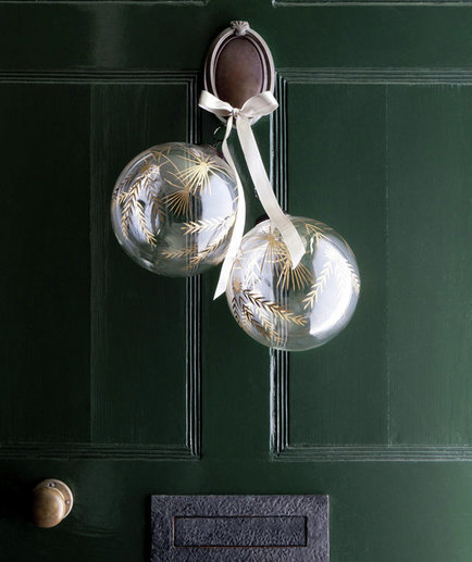 oversized-ornaments