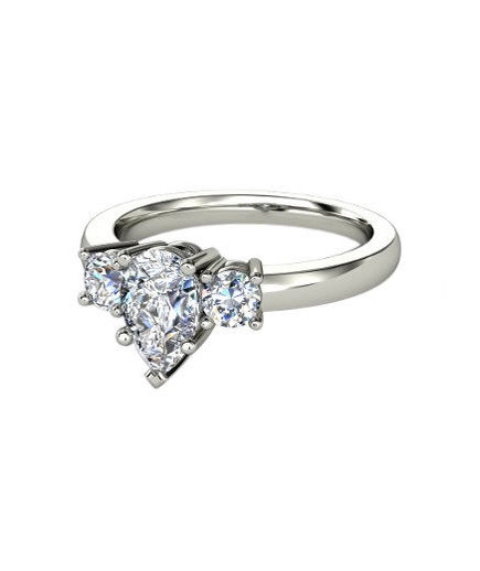 Pear Cut Engagement Rings