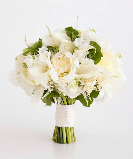 Simple Flower Bouquets For Weddings: White Wedding Flowers
