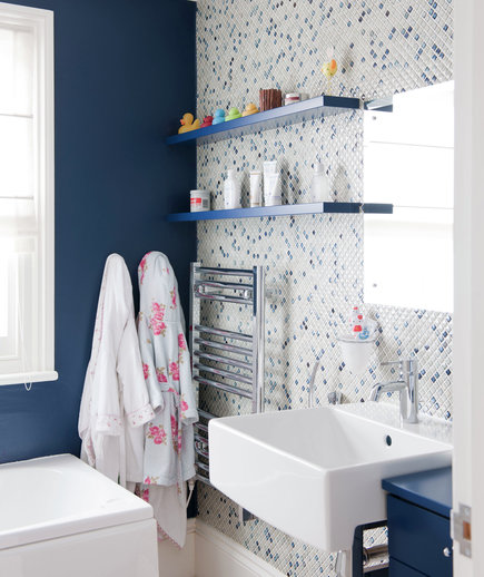 Case of the blues 15 great bathroom design ideas real for Real simple bathroom ideas