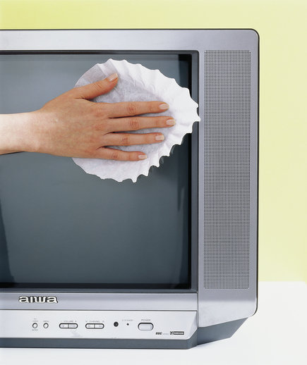 coffee-filter-tv-screen-cleaner