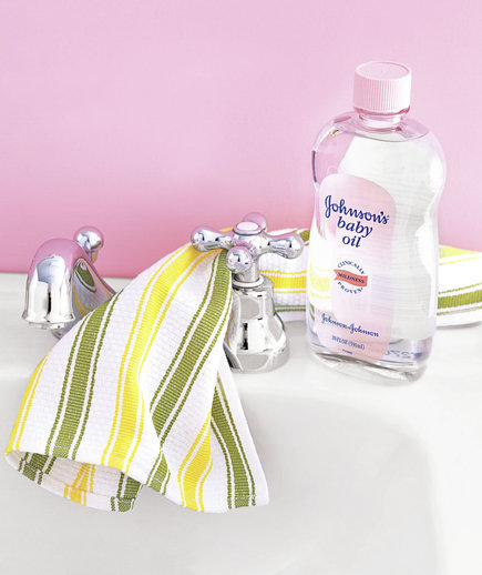 0704baby-oil-dry-cloth