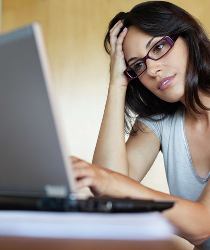woman-working-laptop