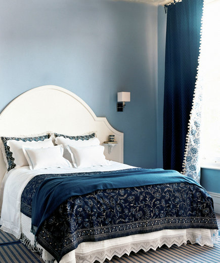 blue-cream-colored-bedroom