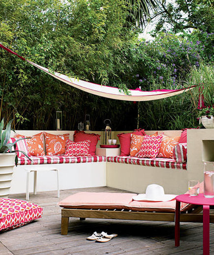 Tropical punch 22 outdoor decor ideas real simple for Garden accents and decor