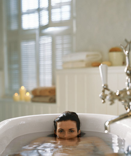 bathtub-submerged-water
