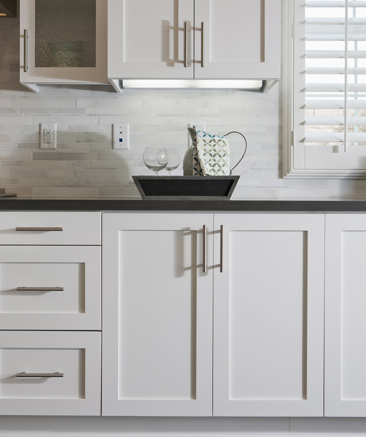 How to spruce up your rental kitchen real simple for Kitchen cabinets handles ideas