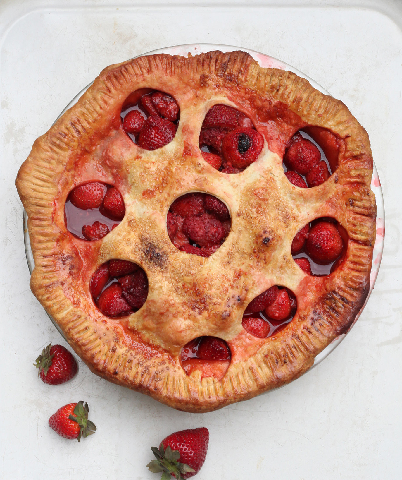 old-fashioned-whole-strawberry-pie