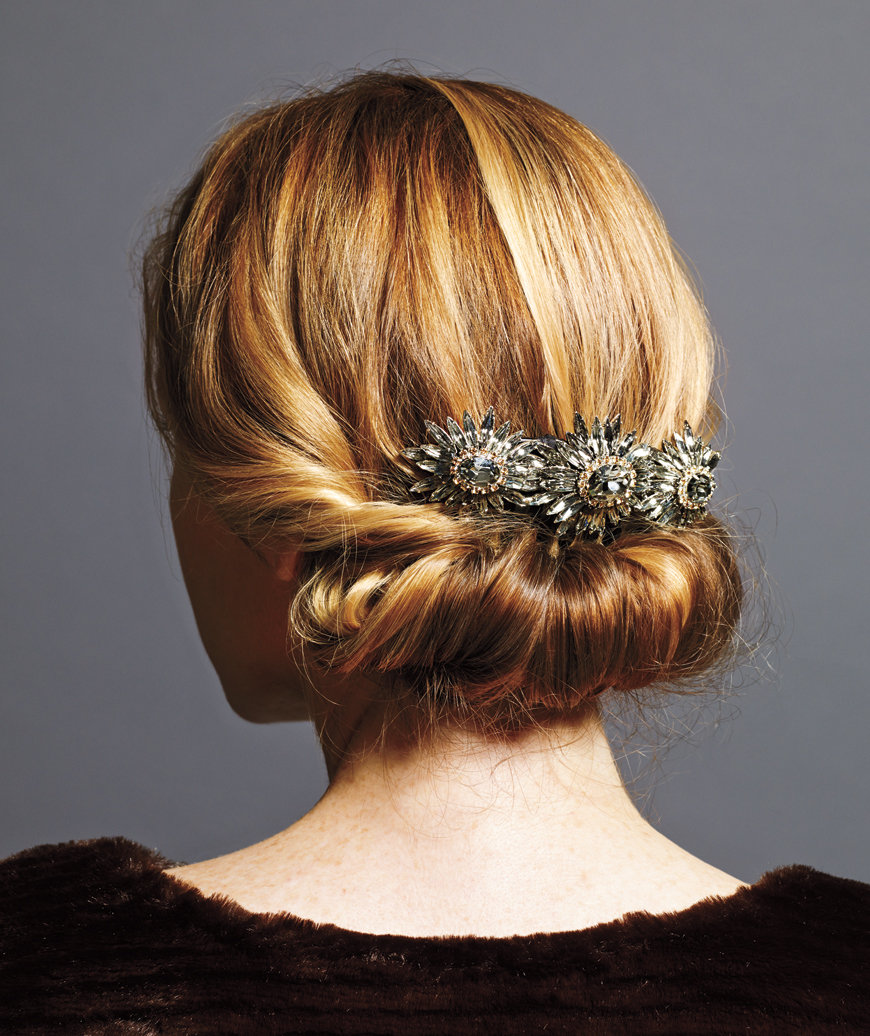 Wedding Hairstyle Roll: Holiday Hairstyles That Are Downright Stunning