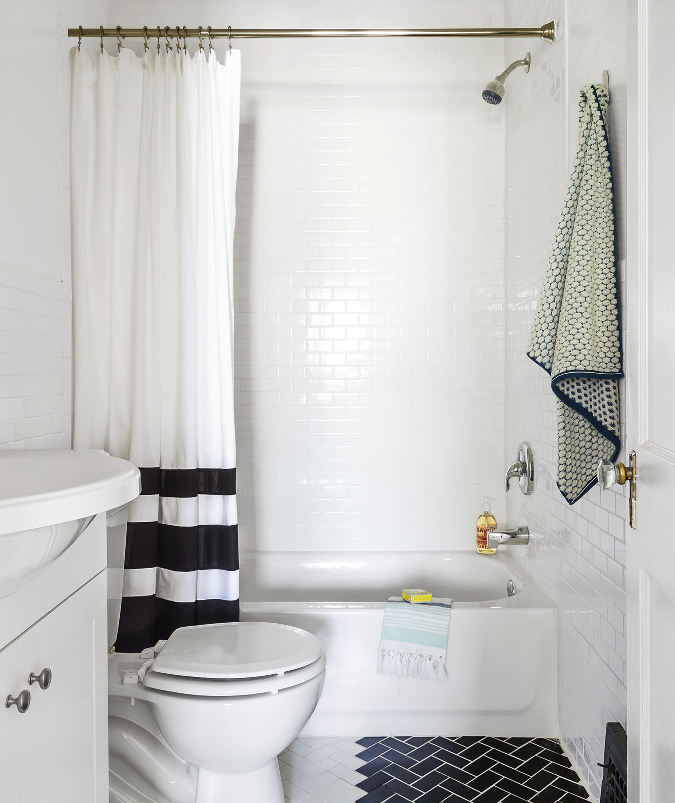 The shower easy cleaning tips to save you time real simple for Shower curtain savers