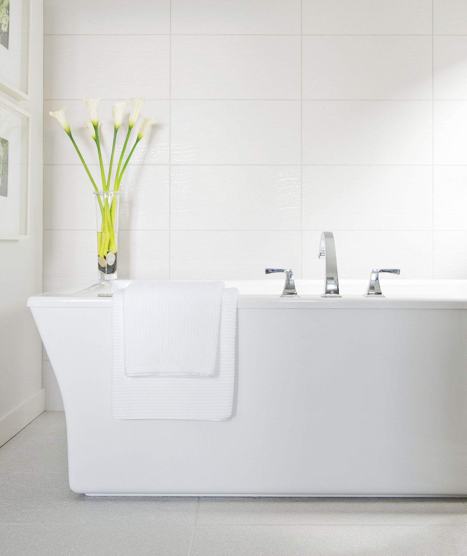 white-clean-bathroom-lilies