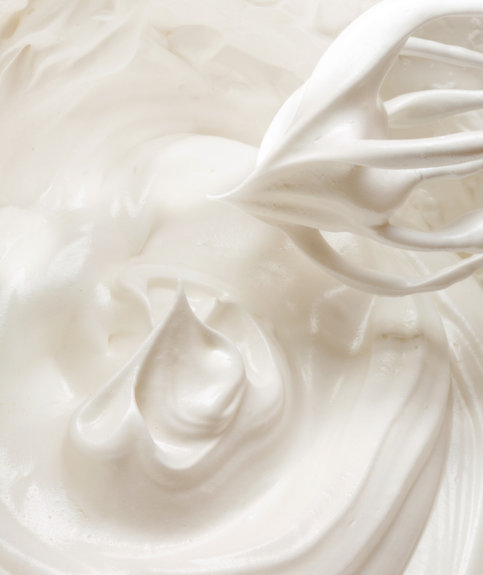 whipping-meringue