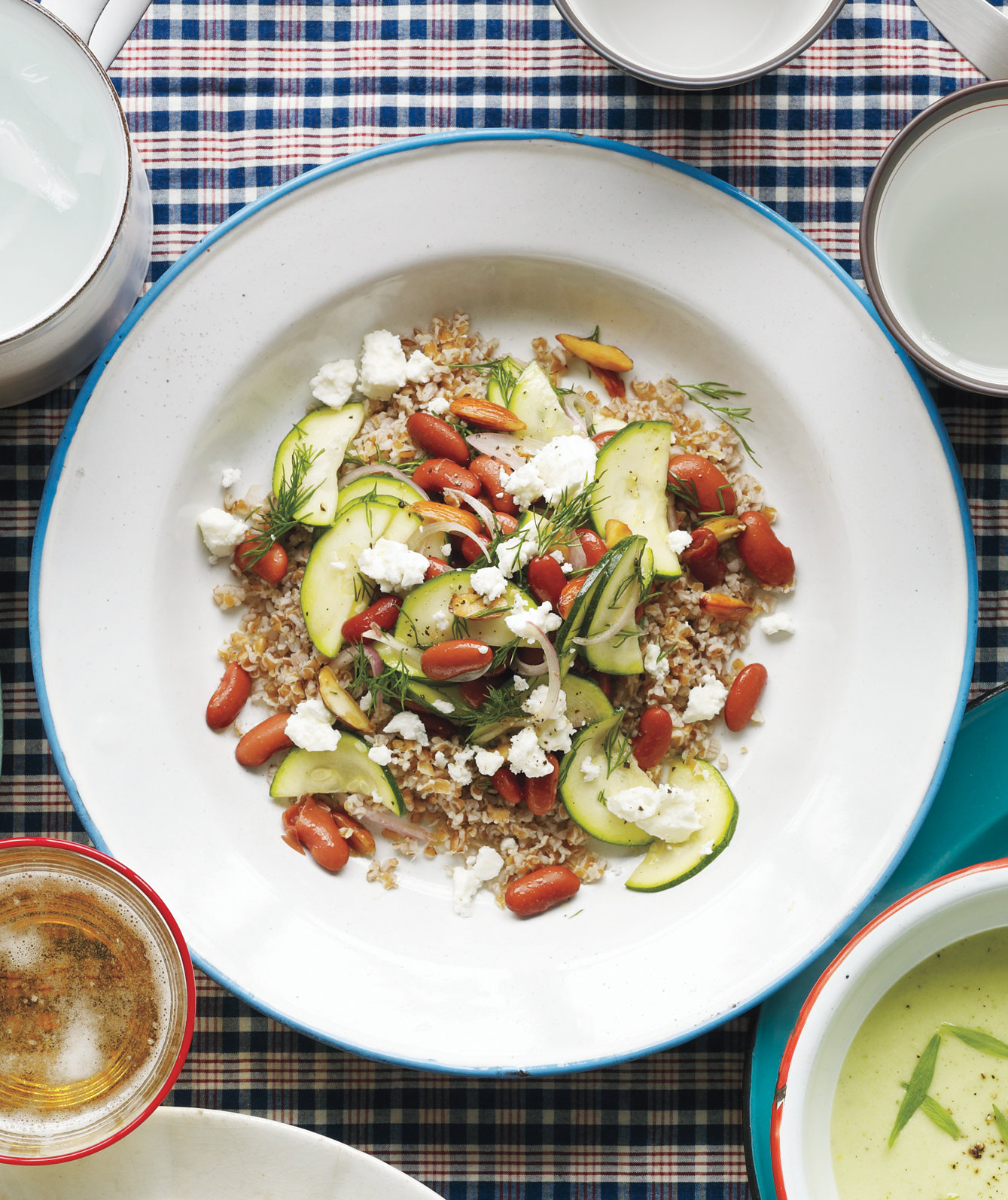 Easy And Fast Dinner Ideas: Zucchini And Bean Salad With Bulgur