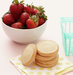 strawberries-cookies-dotted-napkins-baskets