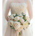 bride-white-bouquet