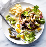 open-faced-tuna-nicoise-pitas