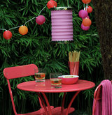 pink-table-chairs-lights