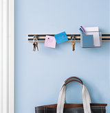 keys-hanging-on-wall
