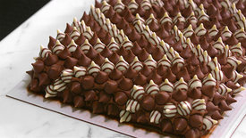 hershey-kiss-studded-costco-cake